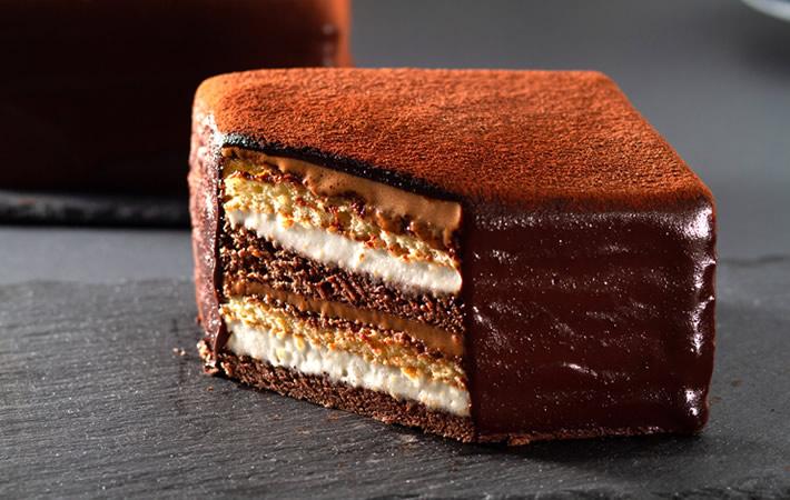 お取り寄せ(楽天) 8層のこだわりチョコレートケーキ★ 石畳ショコラ 1個 価格1,400円 (税込)